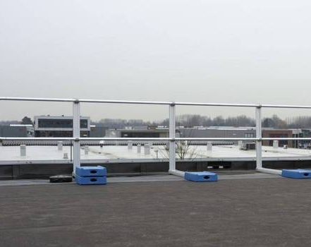Edge Protection for Commercial Flat Roof